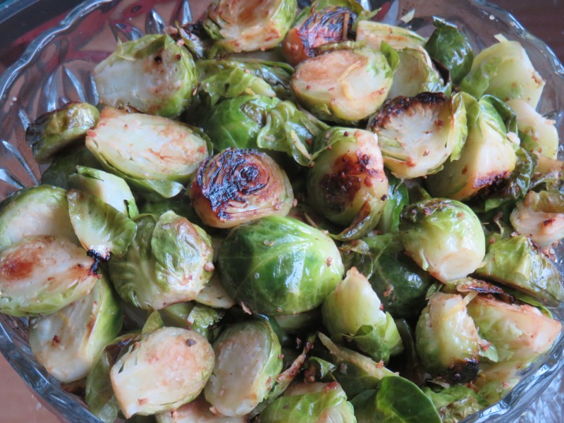 Eating Healthy Recipe: Garlic Lemon Brussels Sprouts | Future Expat