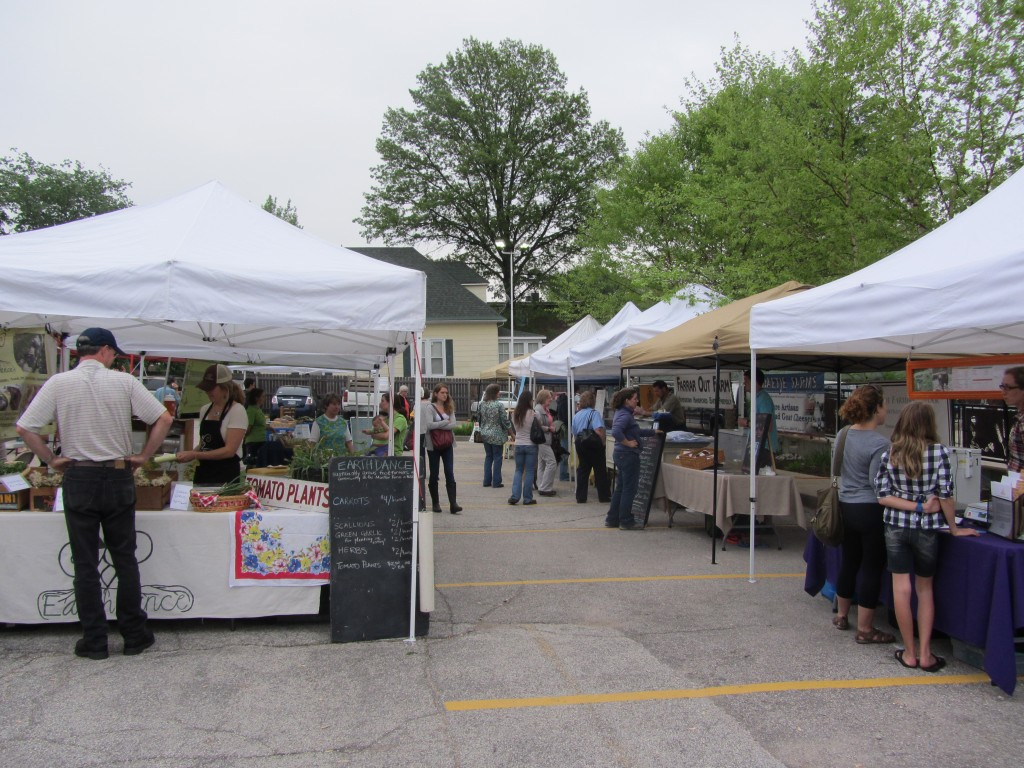 Farmer Market Season Arrives in St. Louis - Arch City Homes #stlouis #farmersmarket
