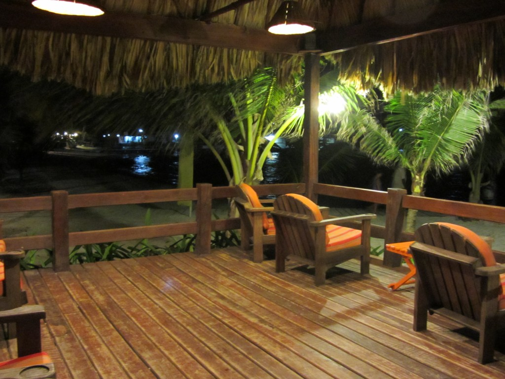 Ramon's Village Resort - outdoor lounge