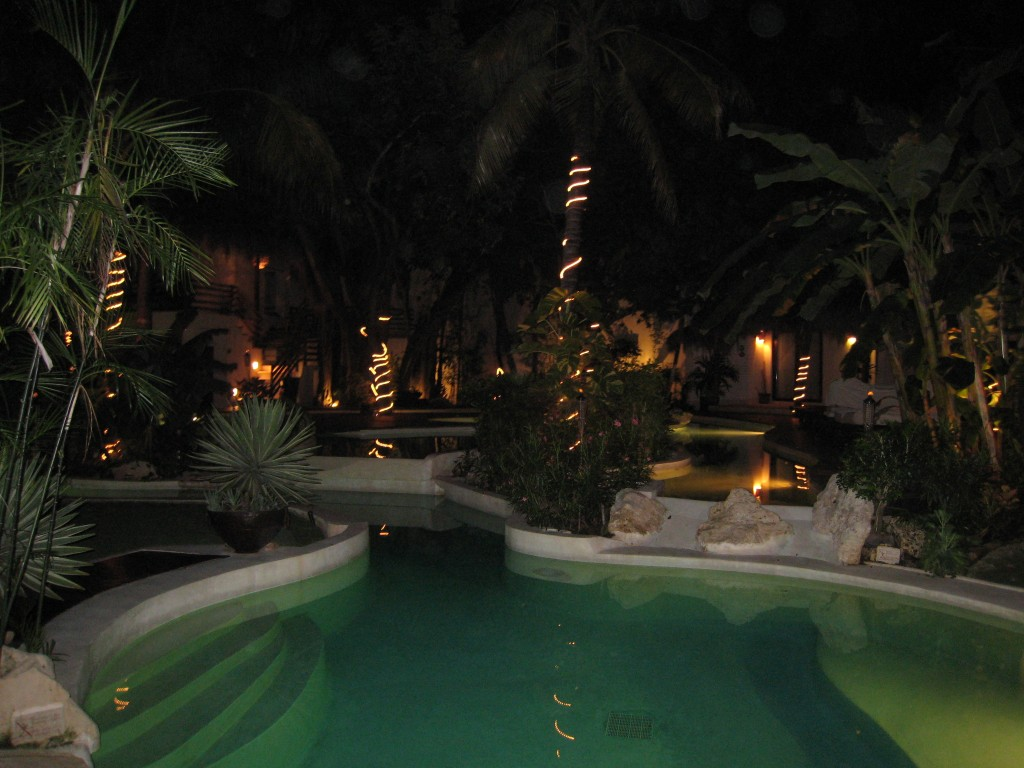 La Tortuga Hotel - night view