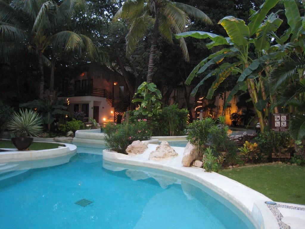 La Tortuga Hotel - pool