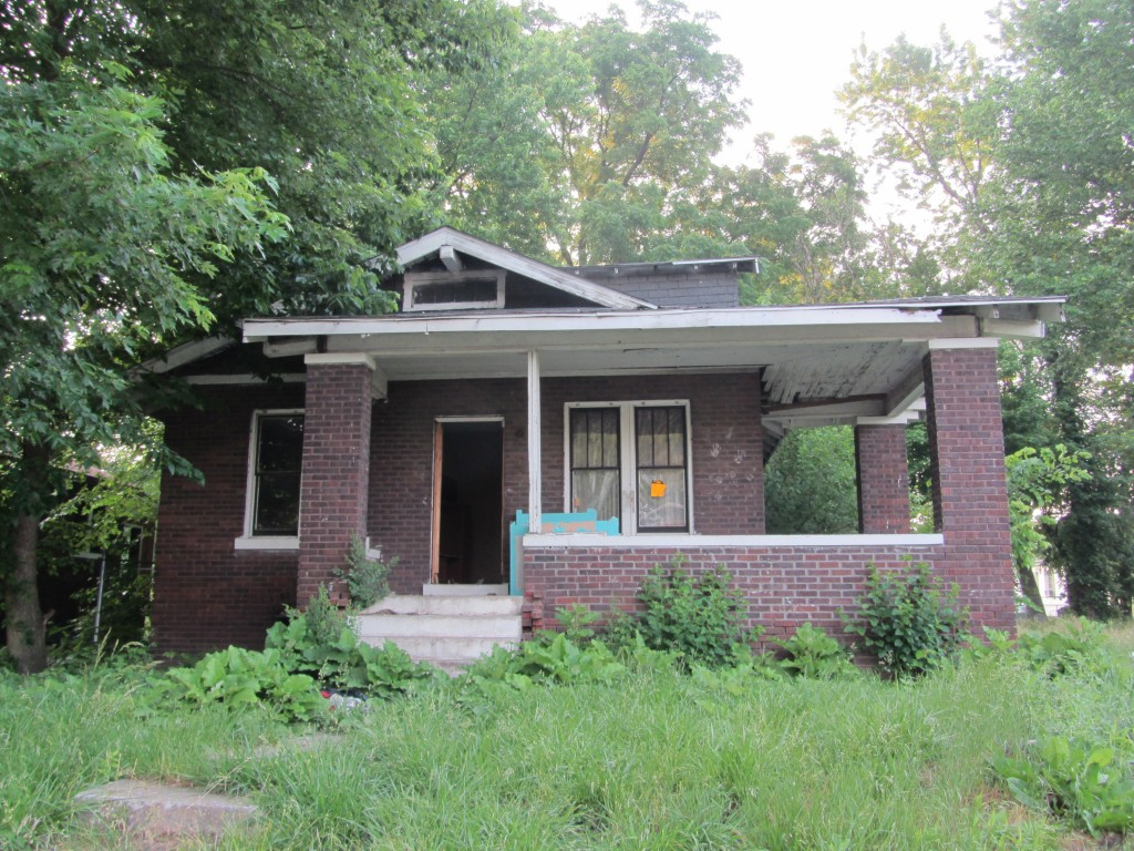 East St. Louis abandoned house