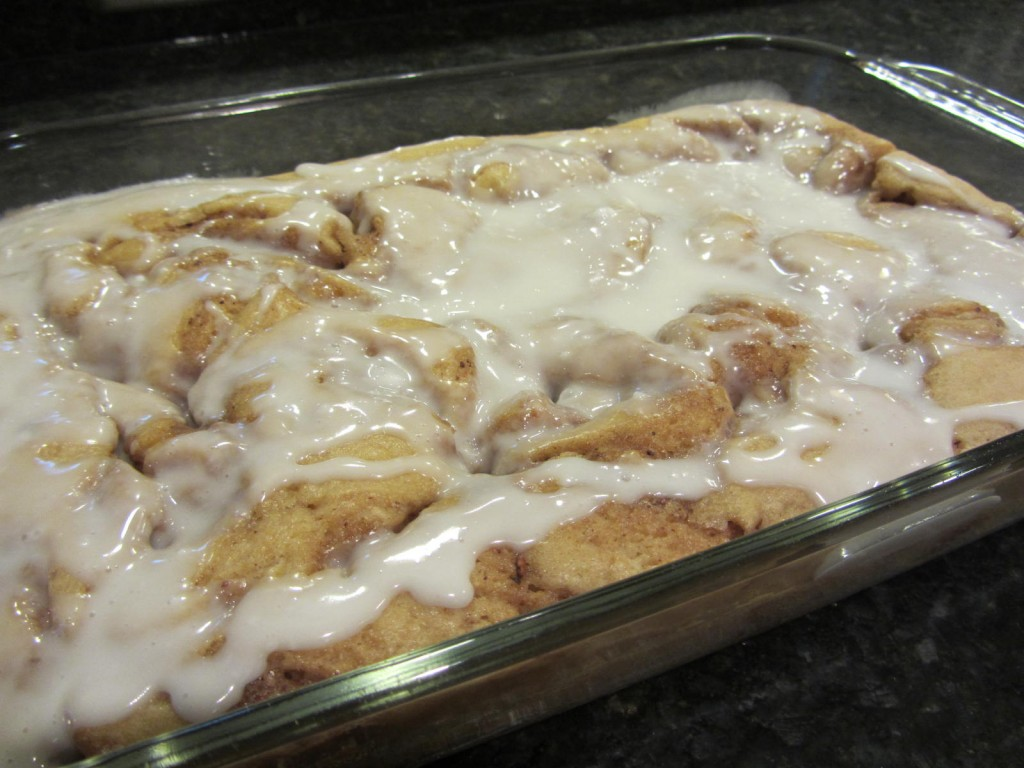Recipe - pan cinnamon rolls with icing