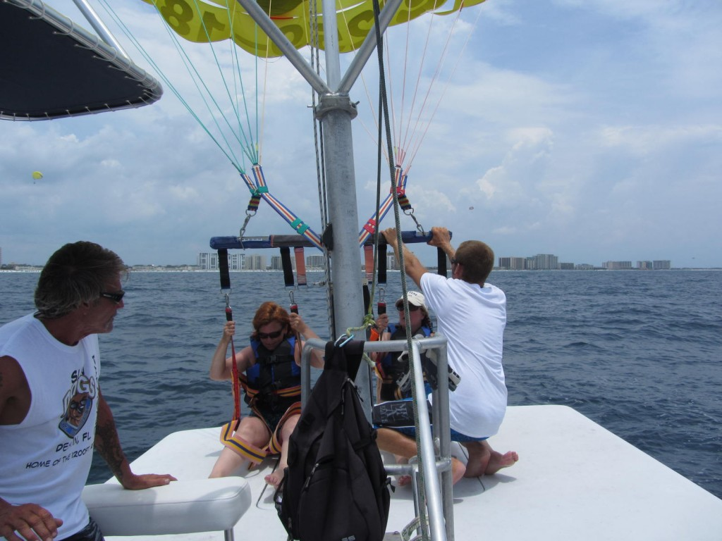 Sun Dogs Parasail - sitting before lift off
