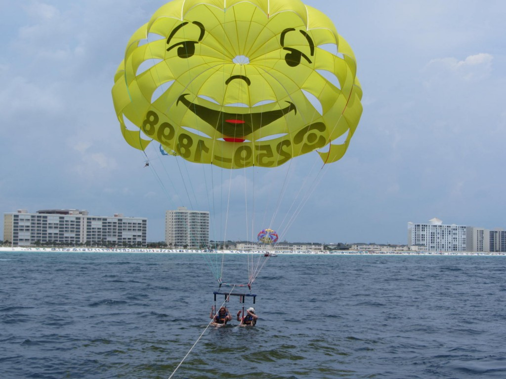 Sun Dogs Parasail - dip in the water