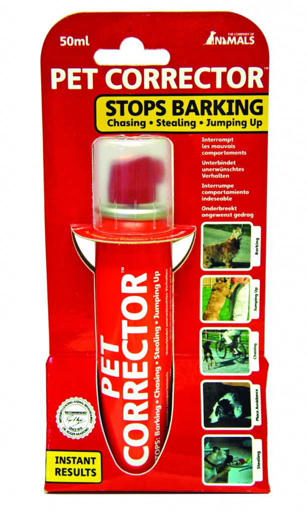 Pet Corrector stops barking and jumping up