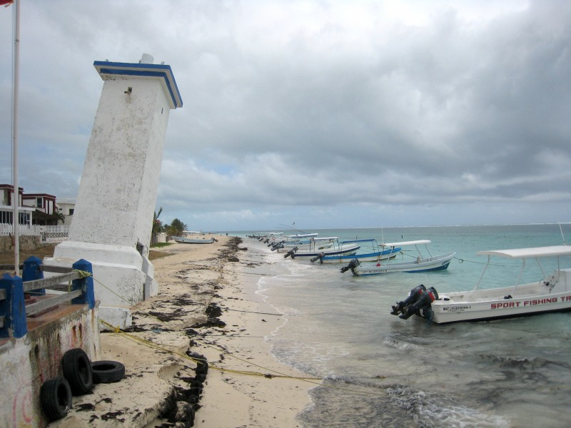 Puerto Morelos lighthouse 1