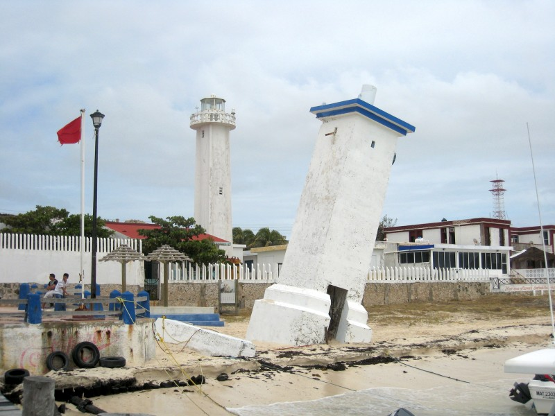 Puerto Morelos lighthouse 2