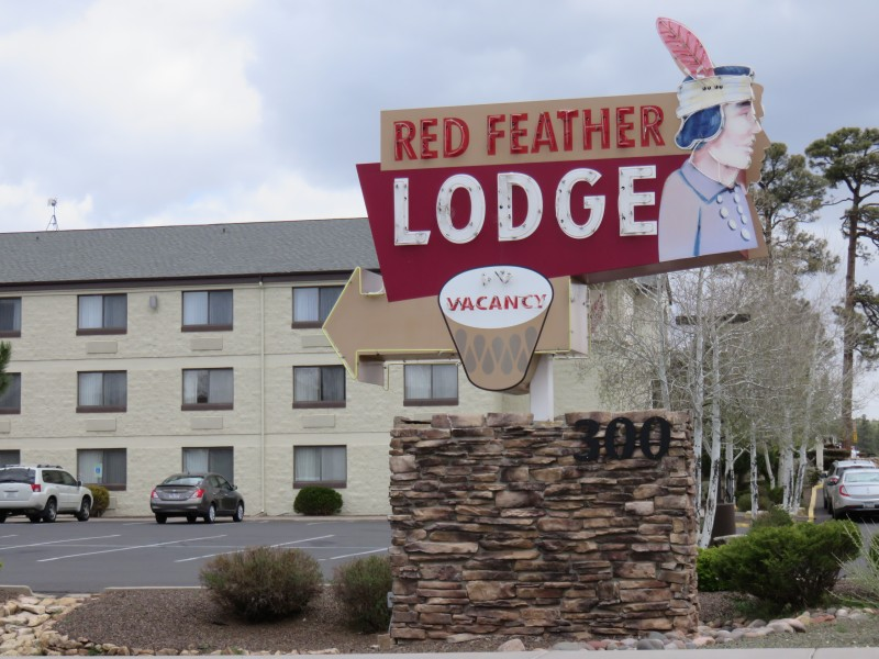 Travel with Dogs - Pet Friendly Hotel - Red Feather Lodge Grand Canyon